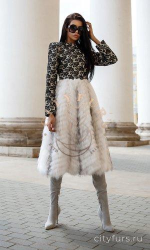 Пальто с арктической лисой