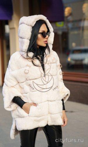 Кофта из меха кролика цвет белый