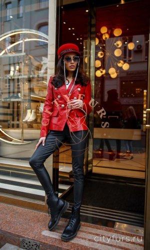 Кожаная куртка-пиджак красный