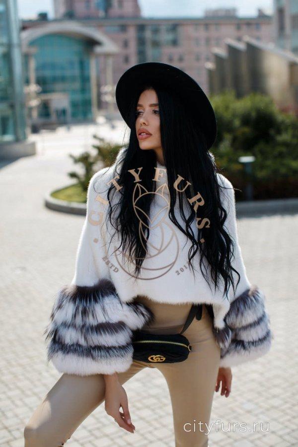 Норковая кофта цвет белый
