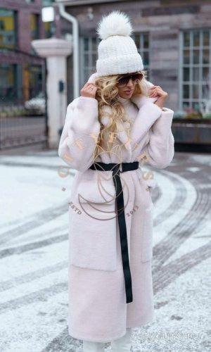 Пальто из овечьей шерсти цвет белый