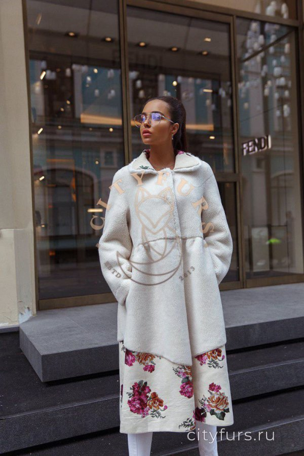 Пальто из овечьей шерсти с цветами,двусто