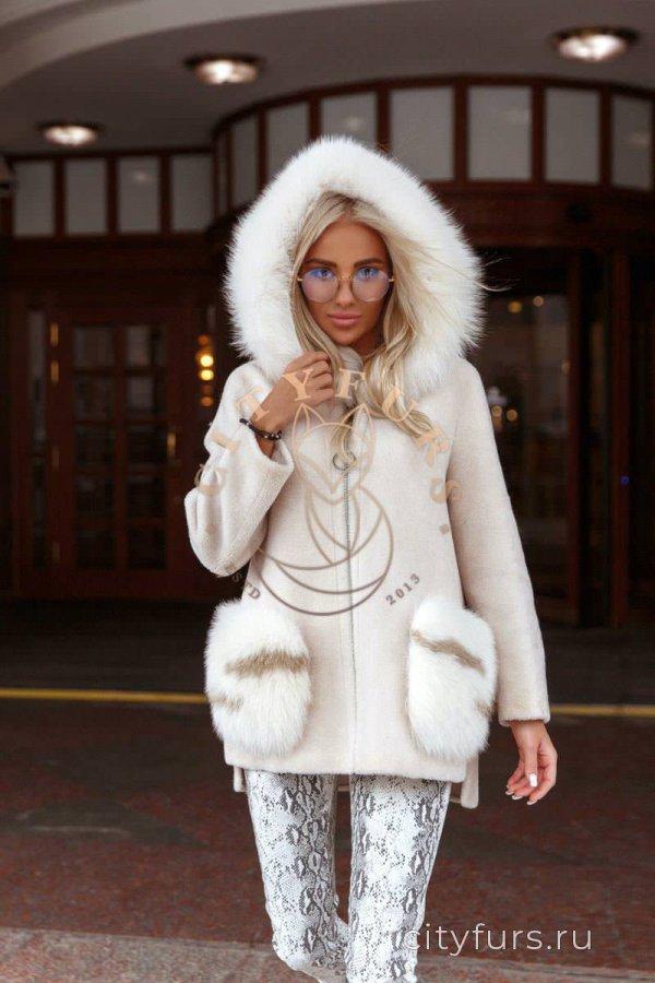 Пальто с капюшоном цвет молочный 2