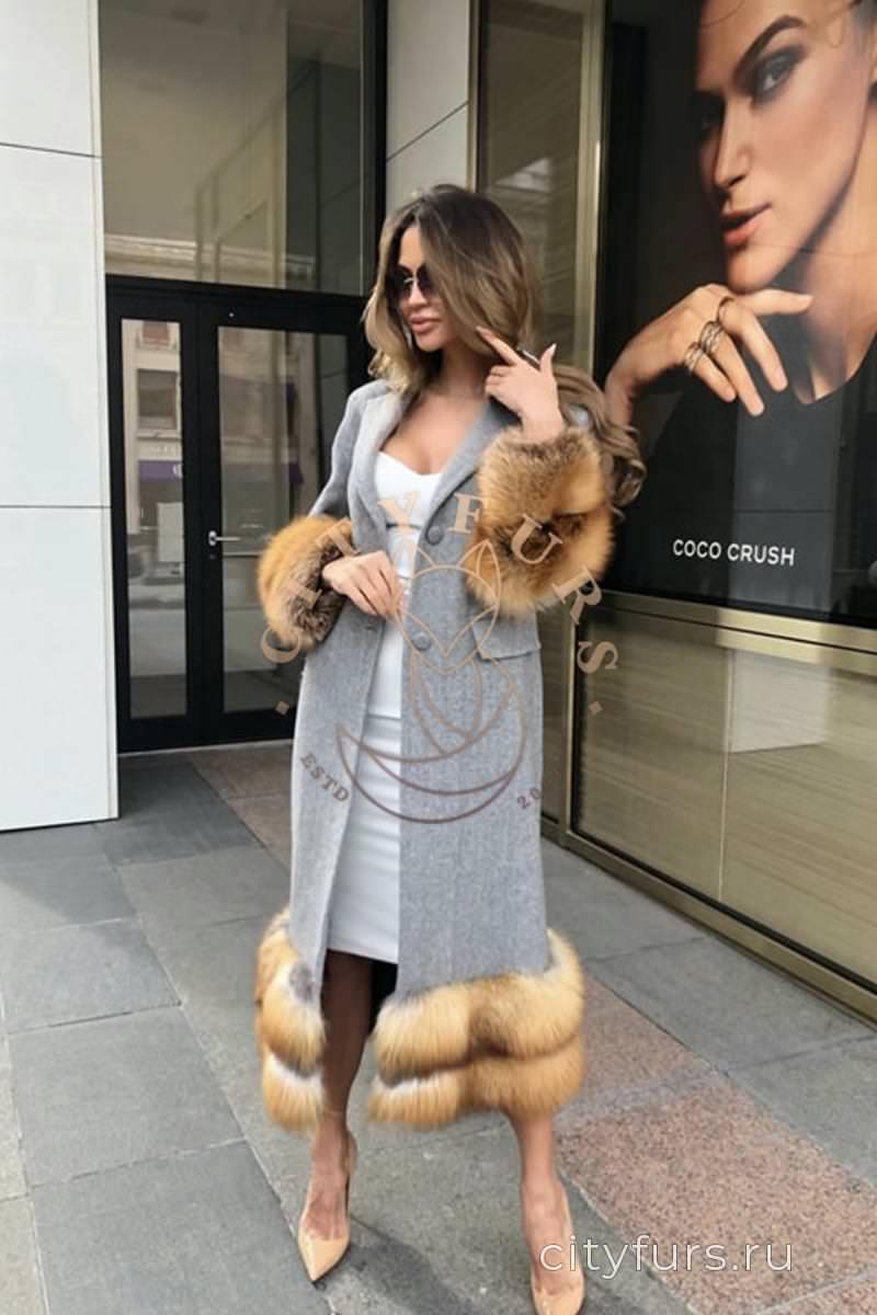 Пальто с лисой цвет серый