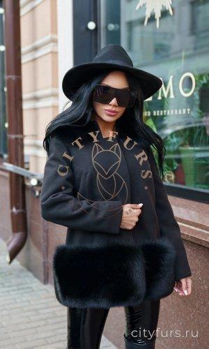 Пальто с мехом финского песца цвет черный