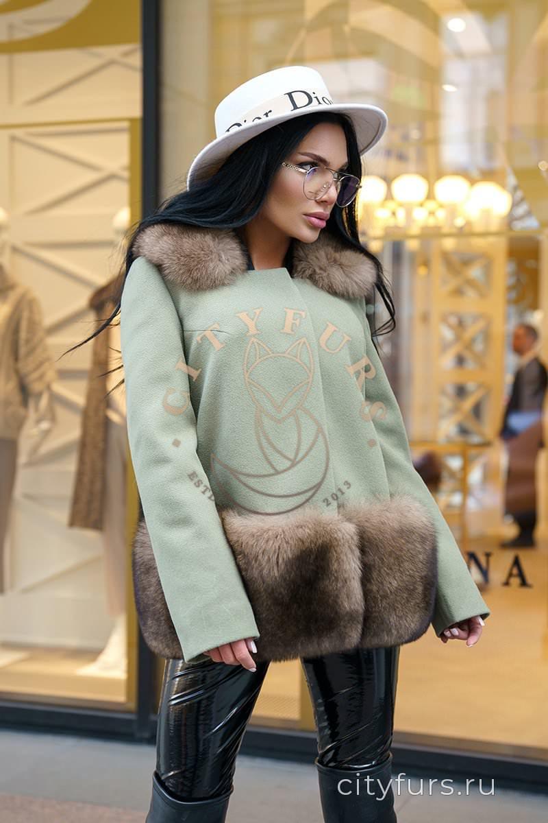 Пальто с мехом финского песца цвет фисташковый