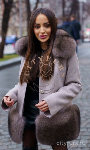 Пальто с мехом финского песца под соболь цвет серый
