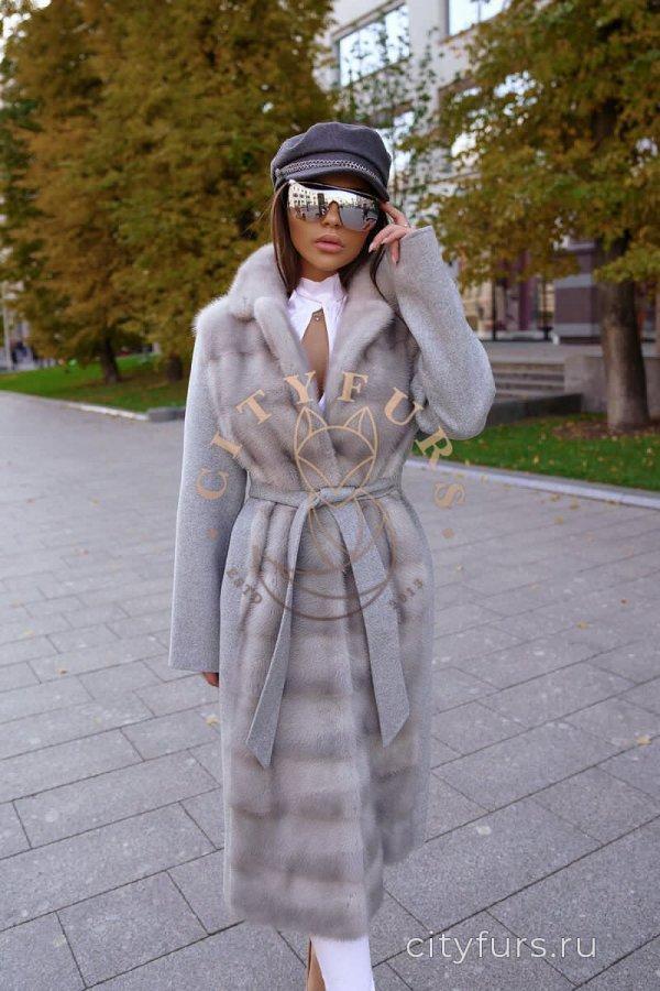 Пальто с мехом норки цвет серый