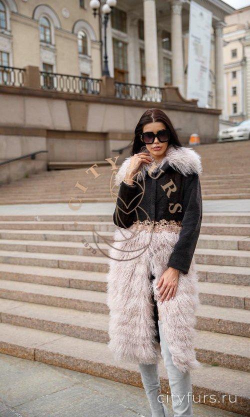Пальто с мехом нутрии и ламы