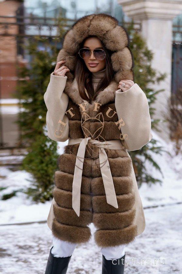 Пальто с мехом песца цвет бежевый