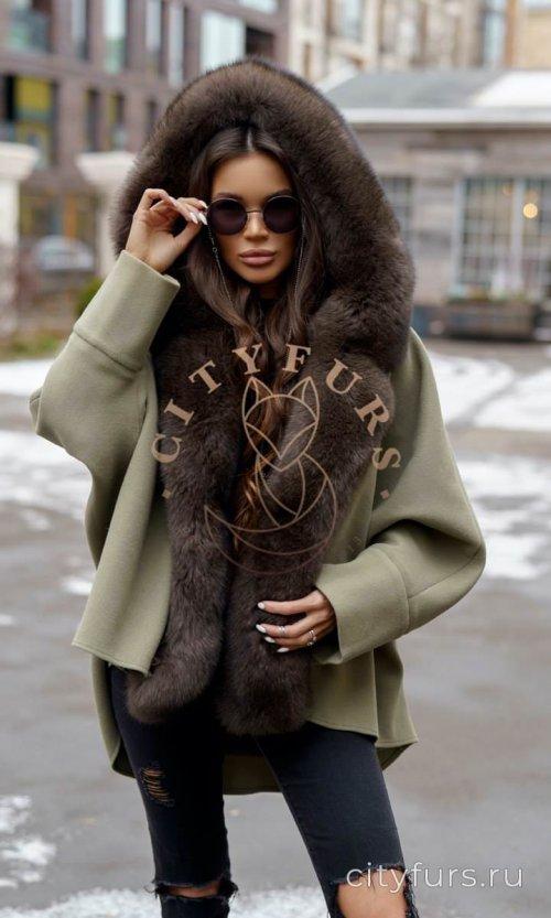 Пальто с мехом песца цвет хаки