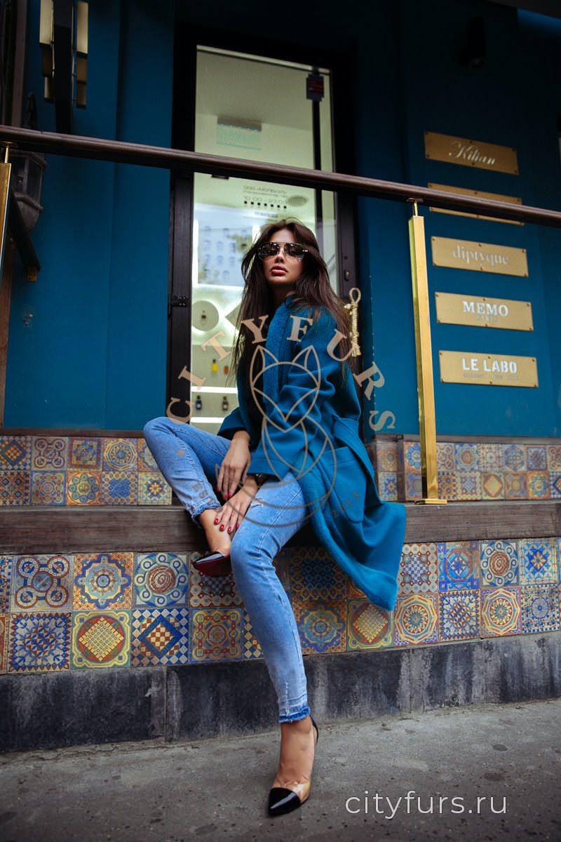 Пальто с норкой цвет голубой
