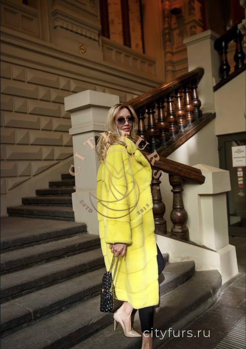 Шуба Норковая !Цвет желтый.Мех импортный 2