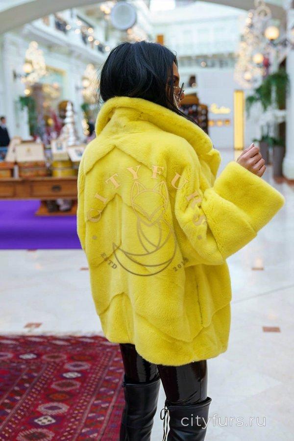 Шуба норковая цвет желтый