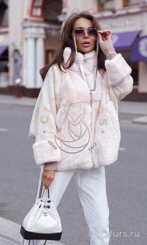 Вязанная кофта с мехом кролика цвет пудра