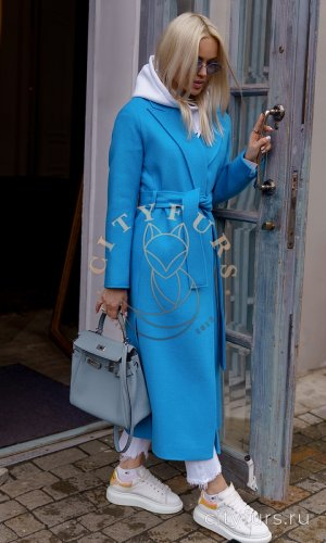 Демисезонное пальто цвет голубой