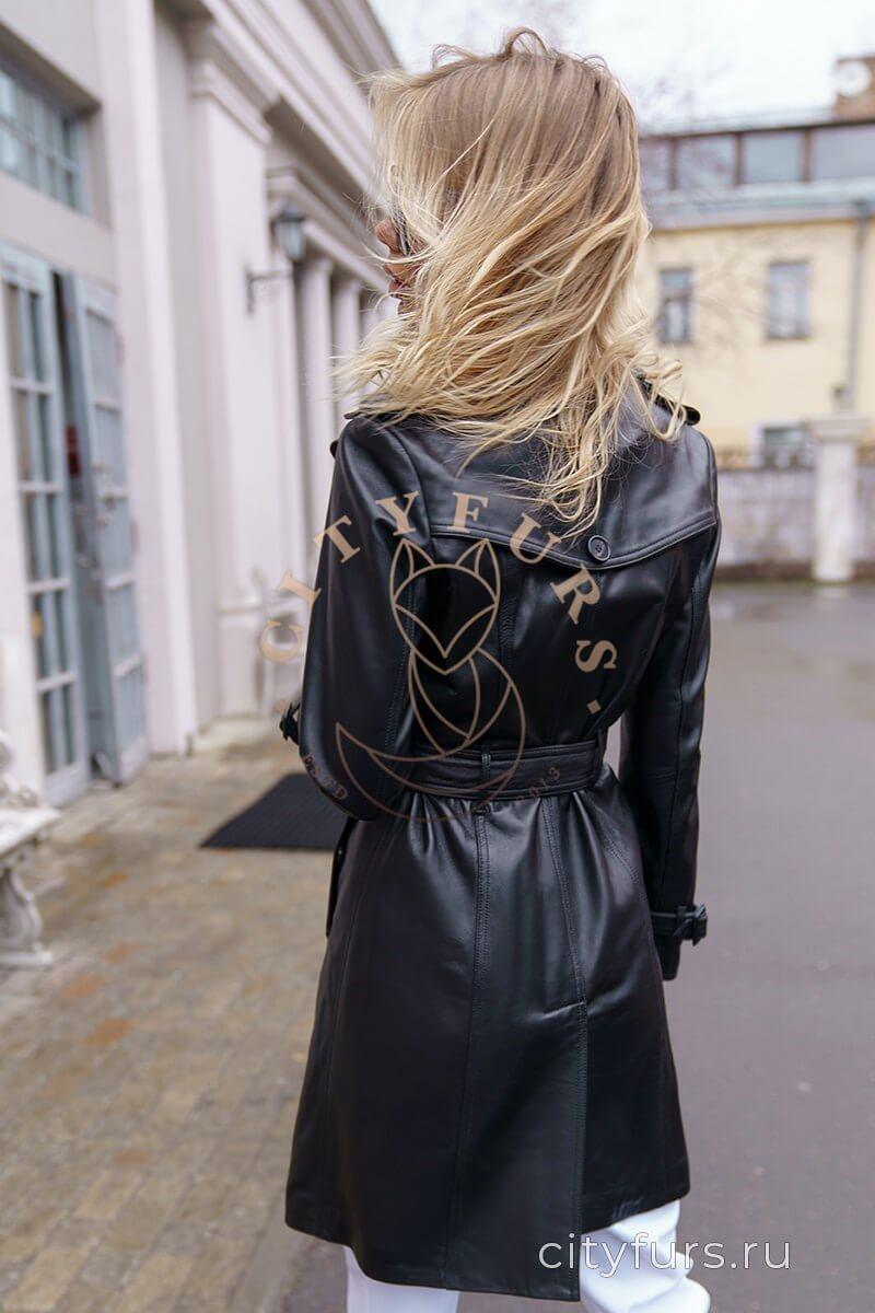 Демисезонное пальто цвет черный