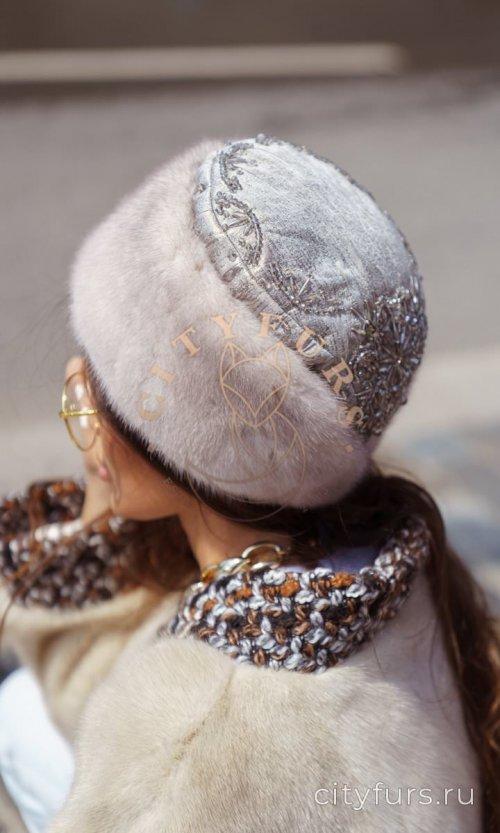 Норковая шапка - вышитая бисером