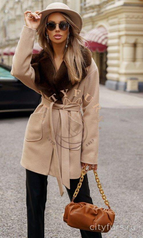 Пальто с мехом норки цвет бежевый