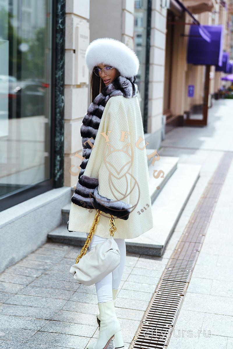 Пальто с мехом кролика цвет белый