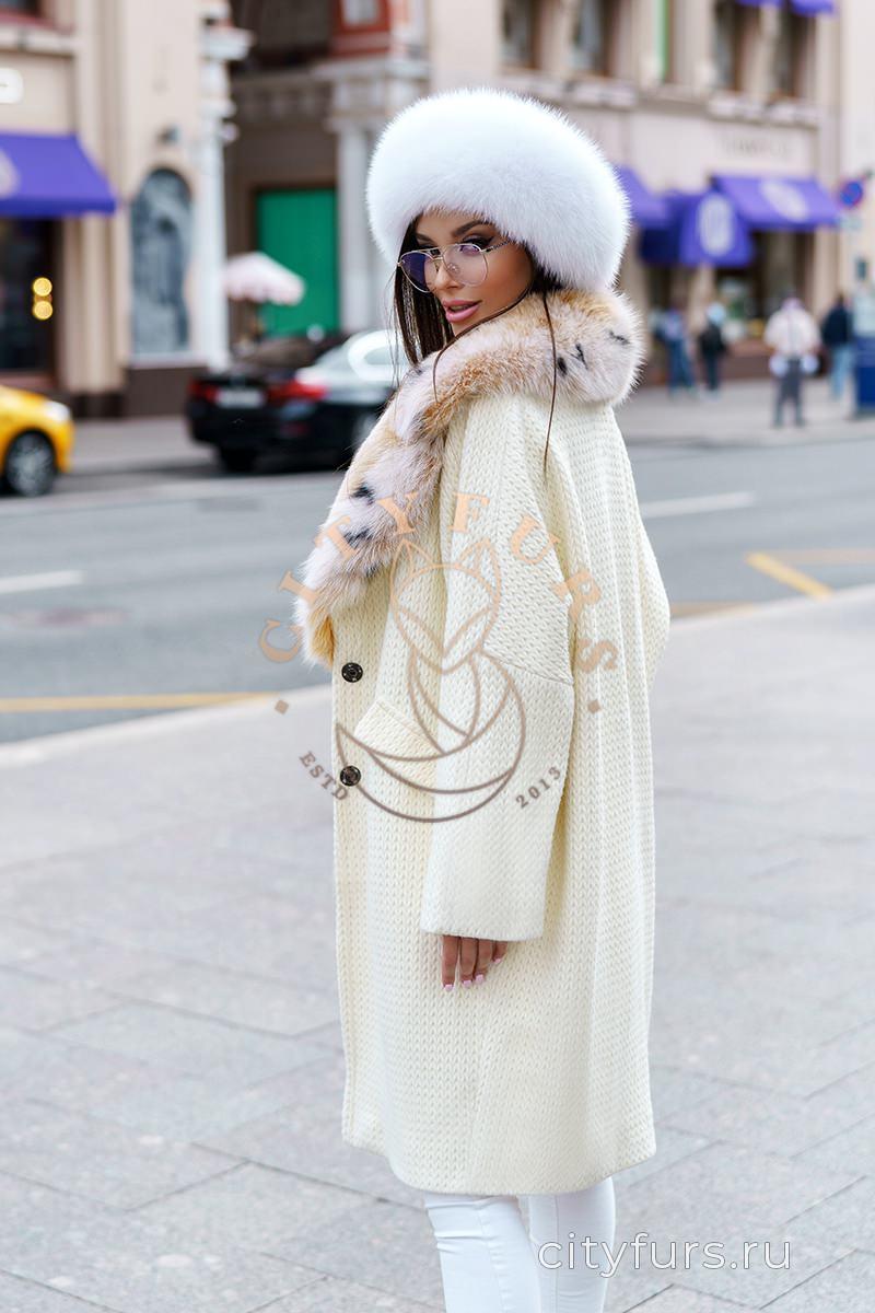 Пальто с мехом песца под рысь - цвет белый