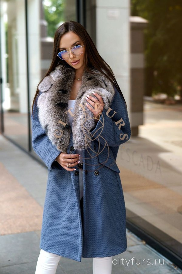 Пальто с мехом песца цвет синий