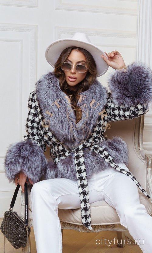Пальто с мехом чернобурки - цвет черно-белый