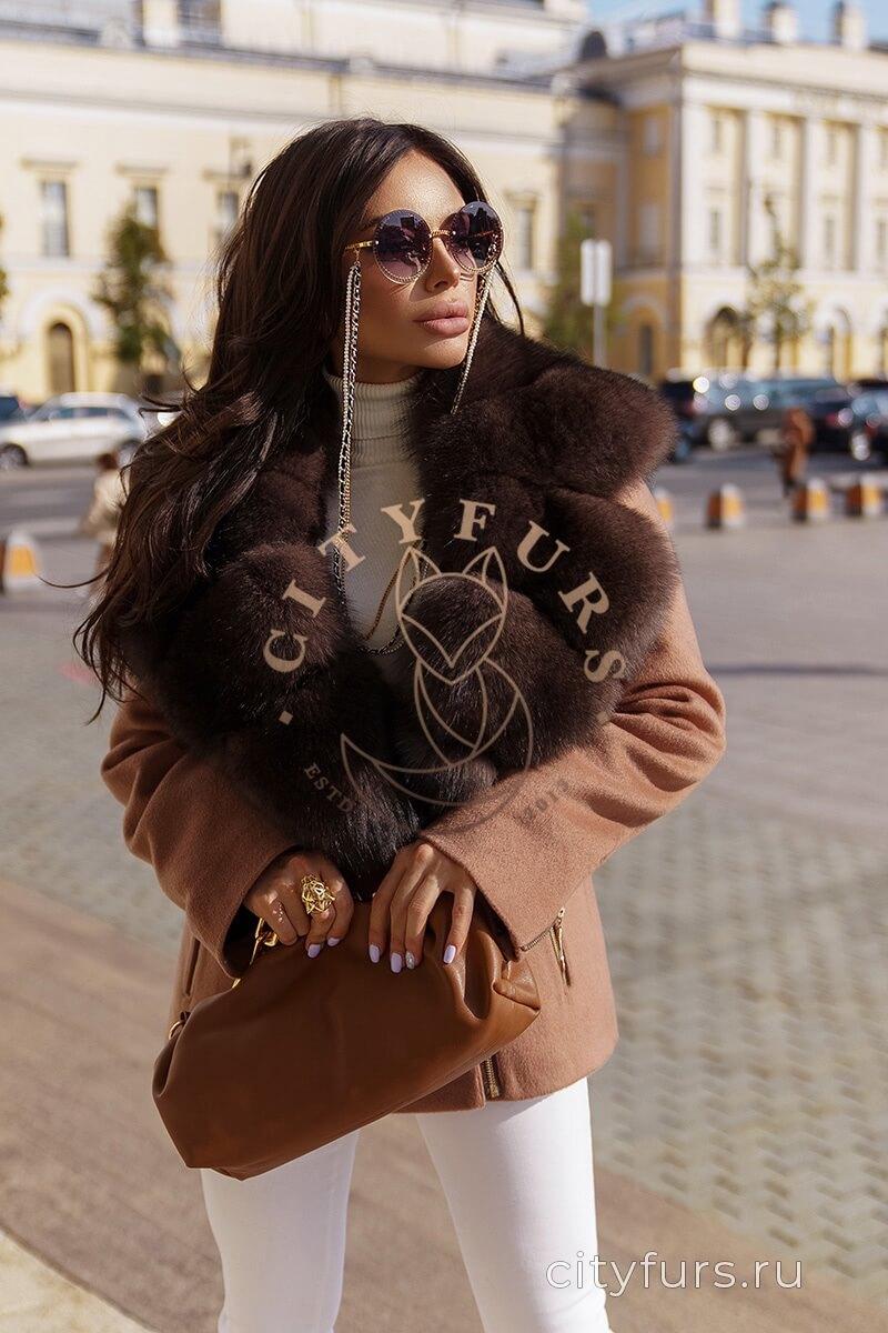 Пальто с мехом финского песца - цвет бежевый