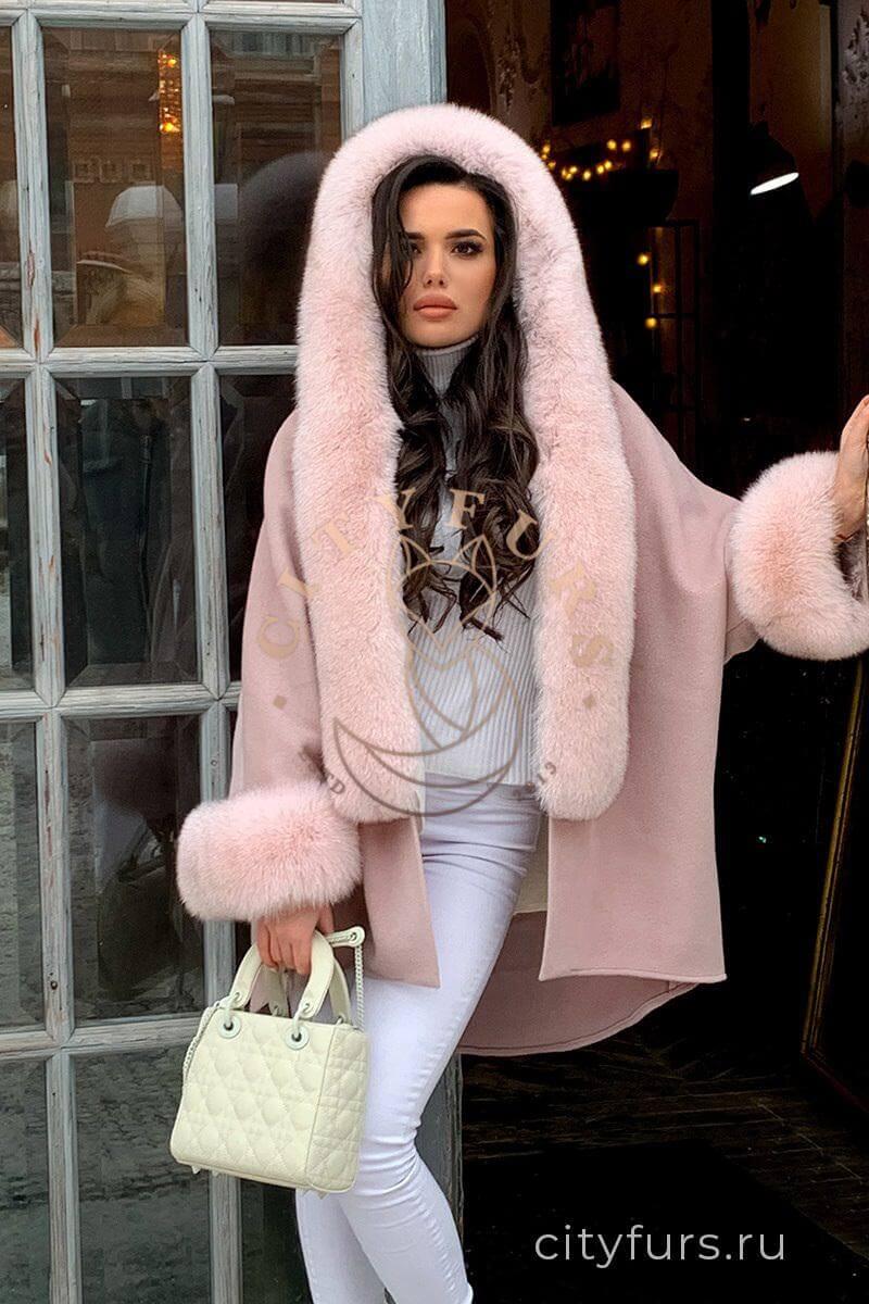 Пальто с мехом финского песца - цвет пудра