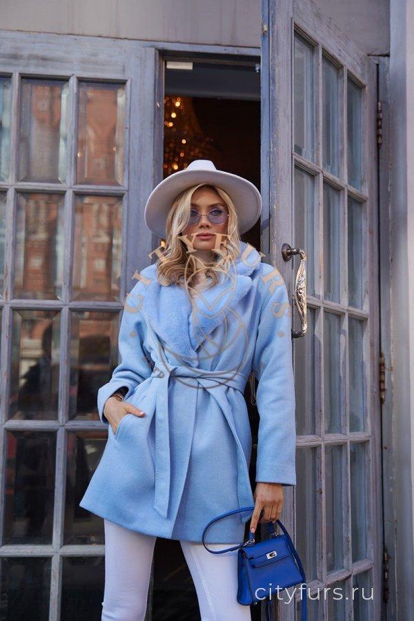 Пальто с мехом норки - цвет голубой
