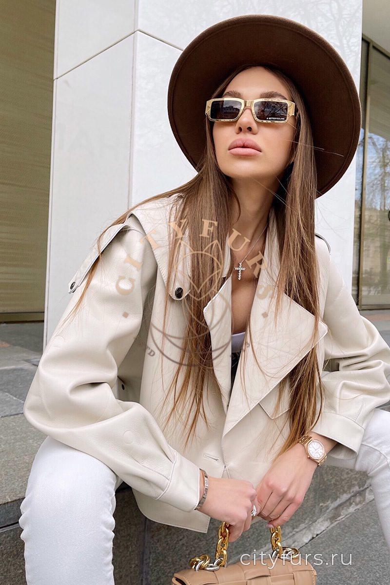 Кожаная куртка «Oversize» — цвет молочный
