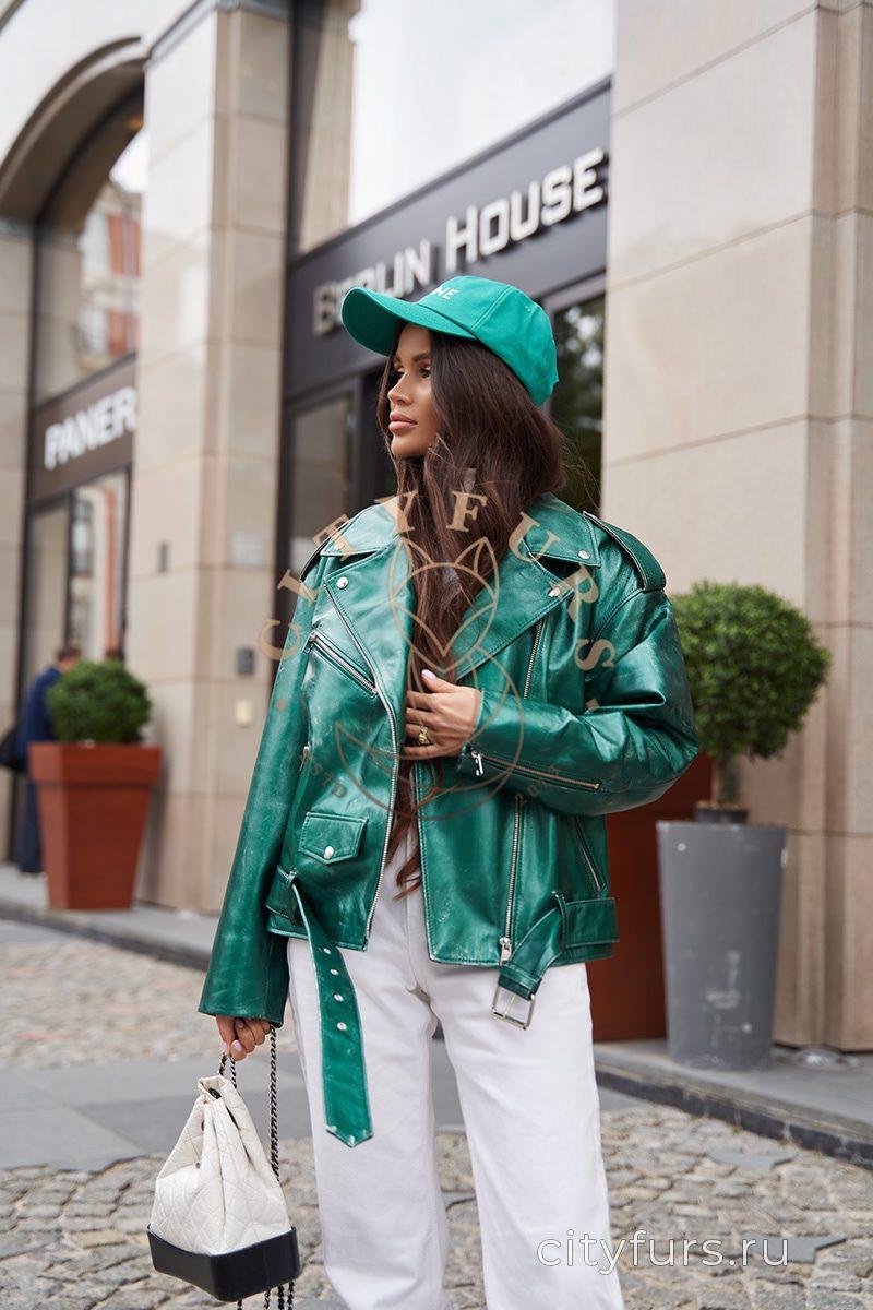 Кожаная куртка с потертостями - цвет изумруд
