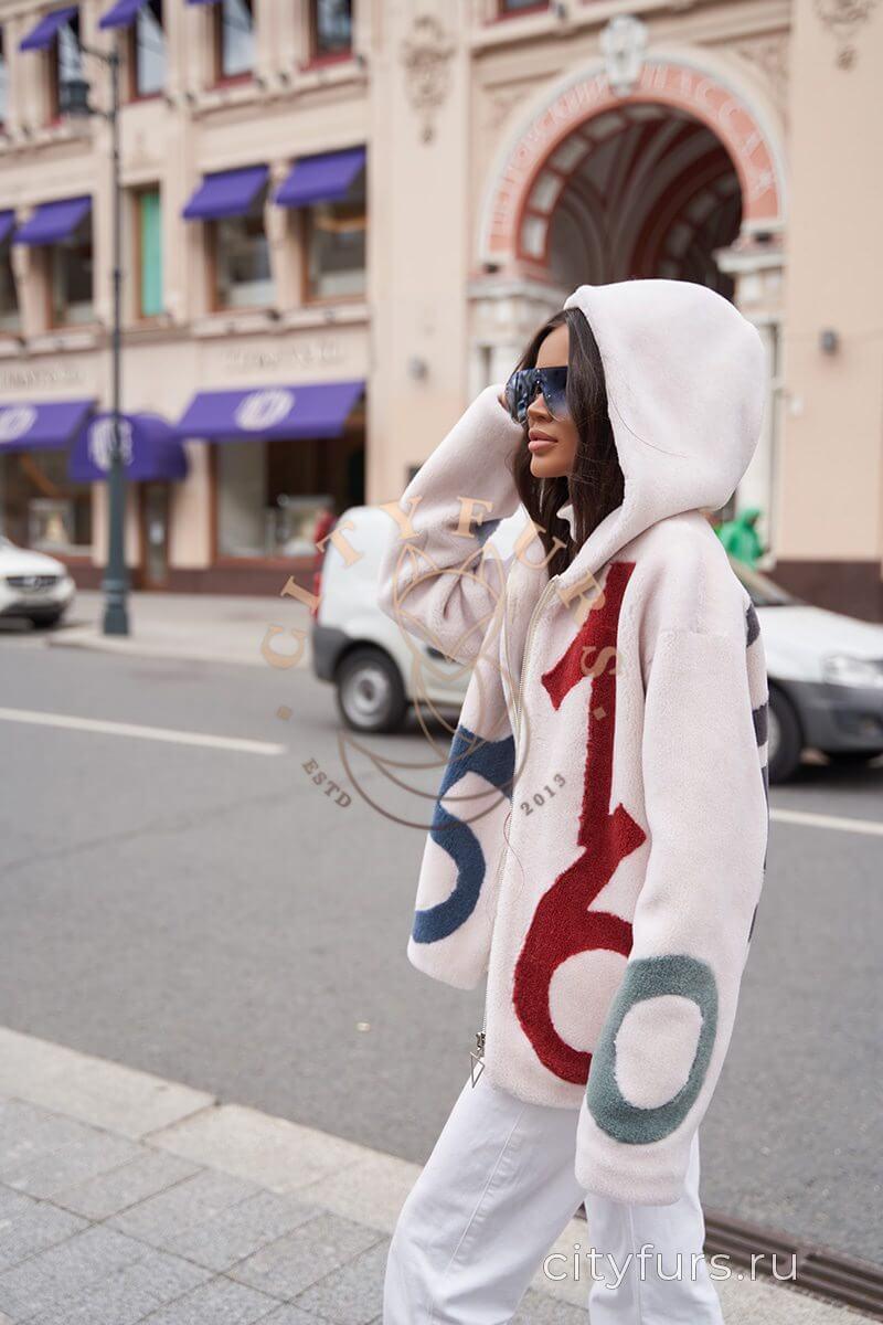 Куртка из овечьей шерсти с капюшоном - цвет молочный