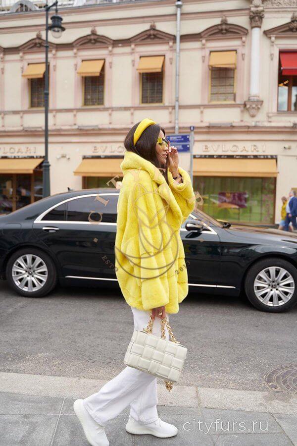 Норковый полушубок из плюшевой норки - цвет желтый