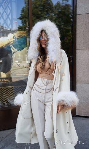 """Пальто с мехом лисы """"Arctic Fox"""" - цвет белый"""