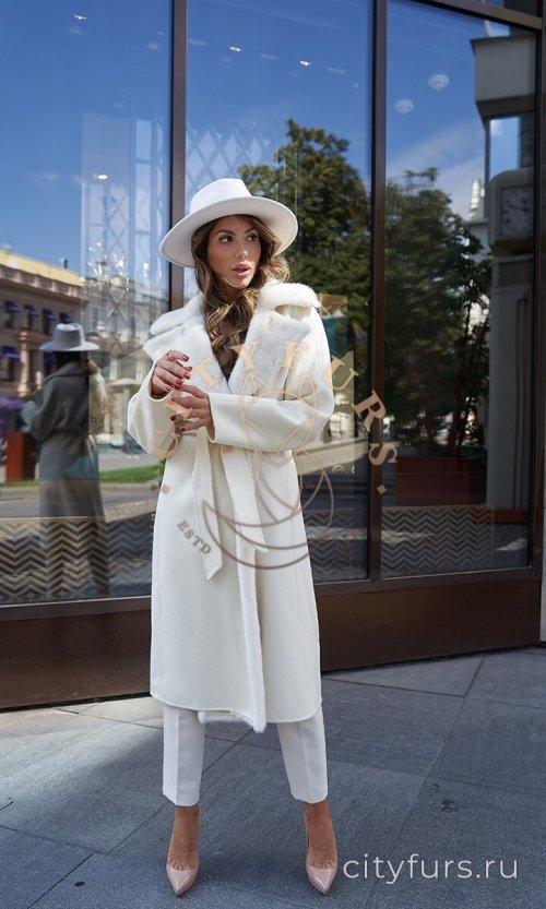 Пальто с мехом норки - цвет белый