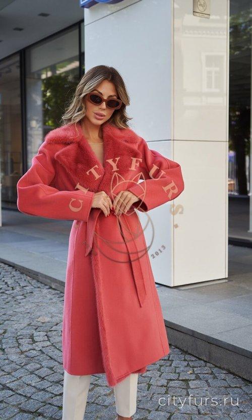 Пальто с мехом норки - цвет коралловый