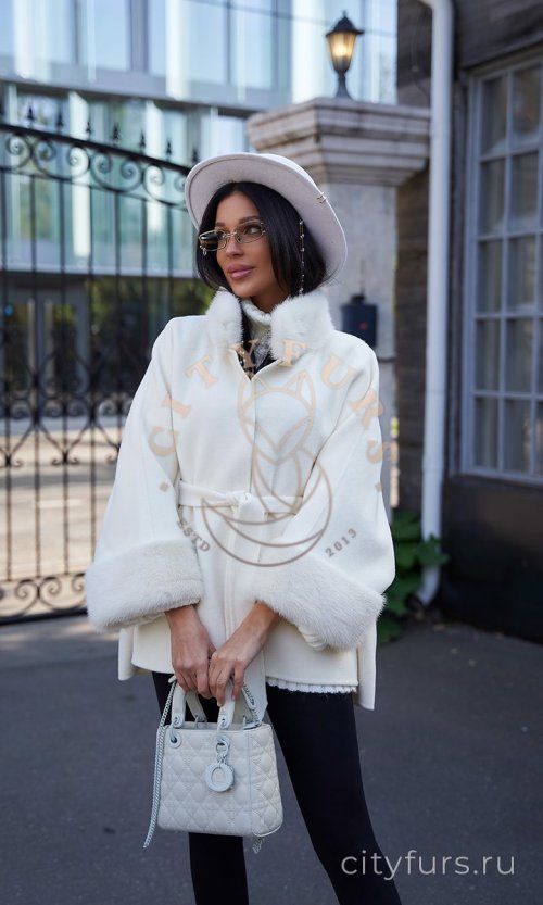 Пальто с мехом скандинавской норки - цвет белый