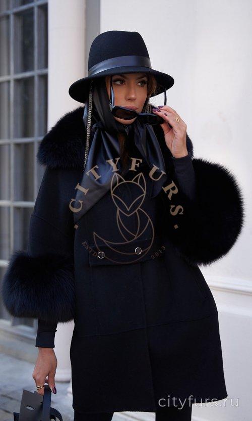 Пальто с мехом песца - цвет черный